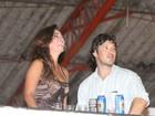 Com o namorado, Suzana Pires recebe homenagem na quadra da Viradouro