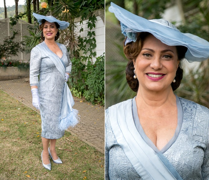 Eliane Giardini posa com o vestido de noiva de Anastácia (Foto: Isabella Pinheiro/Gshow)