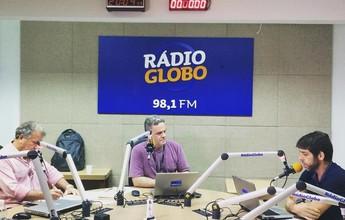 """Ao lado de Juninho em programa de rádio, Zico não alivia: """"Couro come"""""""