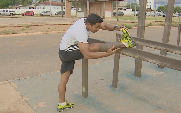 Alongamento antes da atividade física previne lesões (Foto: Bom Dia Amazônia)