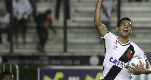 TIROU DO SUFOCO (Paulo Fernandes/Vasco.com.br)