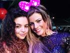 Babi Rossi posta foto em que aparece com lacinho da Minnie