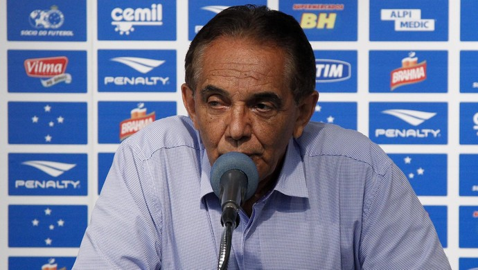 Benecy Queiroz, supervisor do Cruzeiro (Foto: Washington Alves/Light Press)