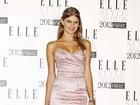 Isabeli Fontana e outros famosos vão a prêmio de moda em Londres