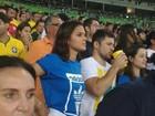 Bruna Marquezine vai a estádio para ver vitória de Neymar e companhia