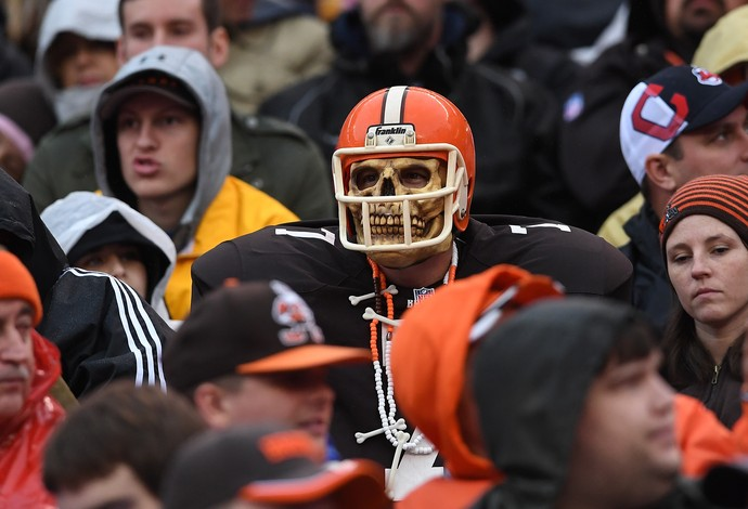 Halloween torcedor Cleveland Browns NFL caveira (Foto: Getty Images)