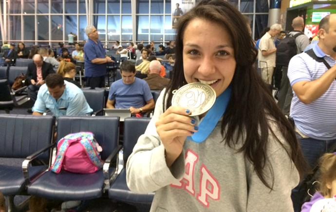 Amanda Ribas MMA medalha (Foto: Marcelo Russio)