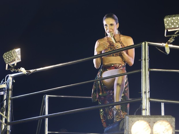 Claudia Leitte comanda bloco Largadinho no Carnatal (Foto: Alexandre Lago/Gshow)