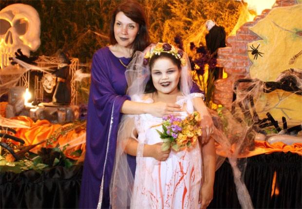 Simony e a filha Aysha (Foto: AgNews)
