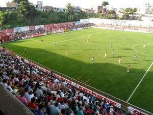 Guarani-MG e Caldense empataram em 1 a 1 no Farião, em Divinópolis (Foto: Larissa Bernardes / GLOBOESPORTE.COM)