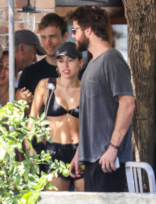 Miley Cyrus e Liam Hemsworth (Foto: The Grosby Group)