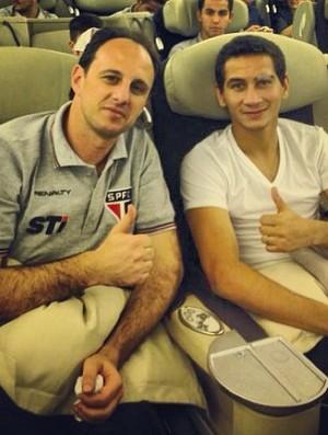 Rogério Ceni e Paulo Henrique Ganso no voo do São Paulo (Foto: Reprodução/Instagram)