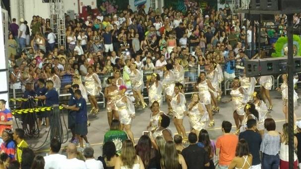 No sambódromo (Foto: Divulgação/Facebook)