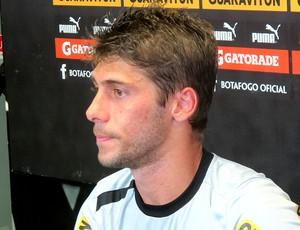 Fellype Gabriel na coletiva do Botafogo (Foto: Thales Soares / Globoesporte.com)