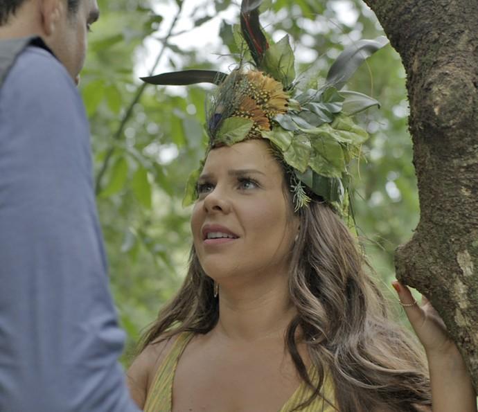 Mel acaba sendo convencido pelo cara e se entrega (Foto: TV Globo)