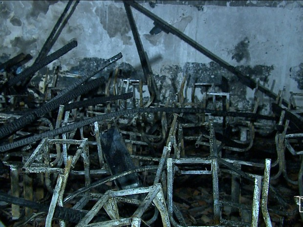 Salas de aula foram incendiadas por suspeitos (Foto: Reprodução/TV Mirante)