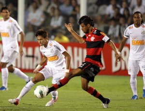 Leo Moura e Neymar Flamengo x Santos (Foto: JF Diorio / Ag. Estado)