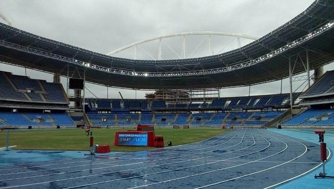 Obra Engenhão atletismo Rio 2016 (Foto: Fabio Leme)