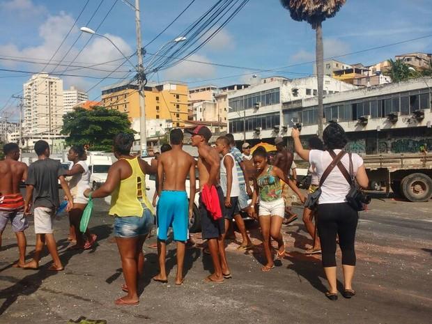 Manifestação na Sete Portas (Foto: Robel Souza/TV Bahia)