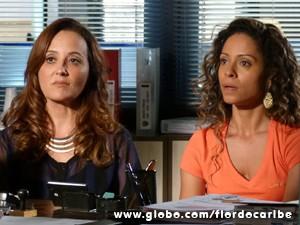 Com a ajuda de Guiomar, Nicole presta queixa contra o velho (Foto: Flor do Caribe/TV Globo)