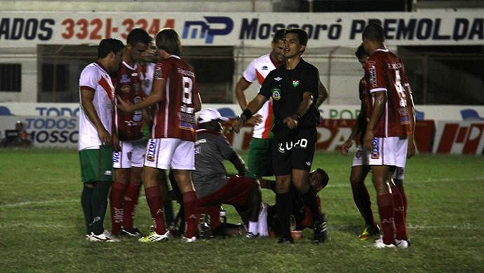 Árbitro Pablo Ramon Gonçalves no jogo Potiguar de Mossoró x Alecrim (Foto: Gabriel Peres/Divulgação)