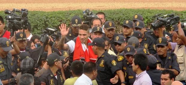 Paolo Guerrero especial (Foto: Marcelo Hazan / Globoesporte.com)