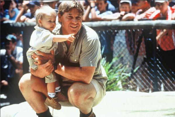 Steve Irwin com a filha no colo (Foto: Instagram)