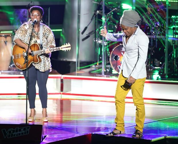 Elen Oléria escolheu fazer parte do time de Carlinhos Brown (Foto: The Voice Brasil/TV Globo)