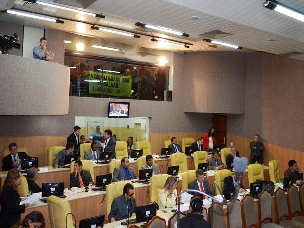 vereadores-de-aracaju-aprovam-aumento-da-passagem-de-onibus