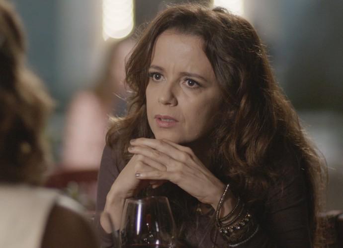 Severa aguarda provas para desmascarar Melissa (Foto: TV Globo)
