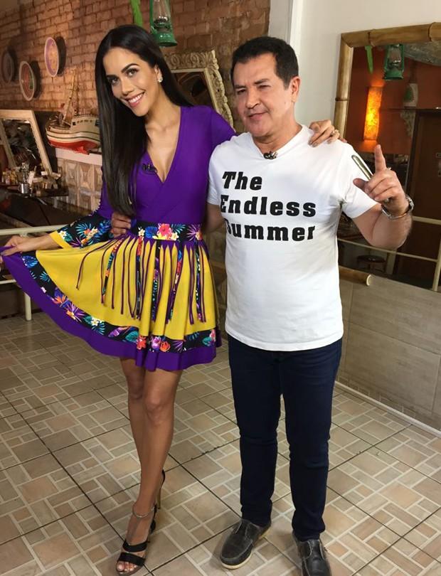 Daniela Albuquerque e Beto Barbosa (Foto: Divulgação/RedeTV!)