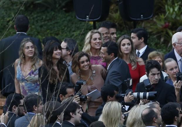 Famosos no casamento de Fiorella Mattheis e Flavio Canto (Foto: Leo Marinho/Agnews)