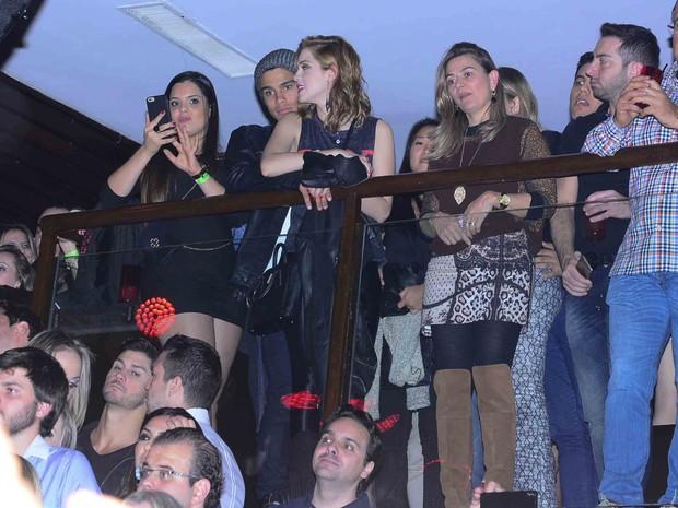 Sophia Abrahão e Sergio Malheiros em show em São Paulo (Foto: Leo Franco/ Ag. News)