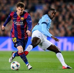 Messi e Yaya Toure, Barcelona x Manchester City (Foto: AP)