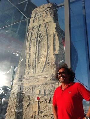 Bel Borba inaugura escultura na Arena Fonte Nova (Foto: Divulgação/Arena Fonte Nova)
