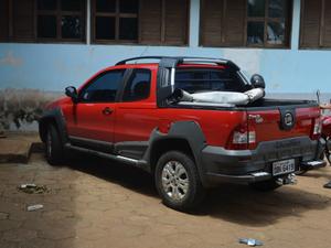 Carro teria sido roubado em Mato Grosso, de acordo com a PRF. (Foto: Jonatas Boni/G1)