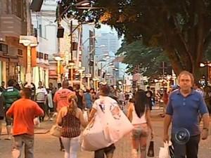 Aumento no movimento se deve à instalação de um novo shopping e novos empreendimentos na região (Foto: Reprodução / TV Tem)