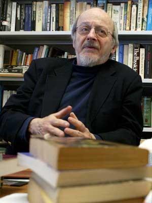 EL Doctorow, em imagem feita em 2004, na Universidade de Nova York (Foto: Mary Altaffer / Arquivo / AP Photo)
