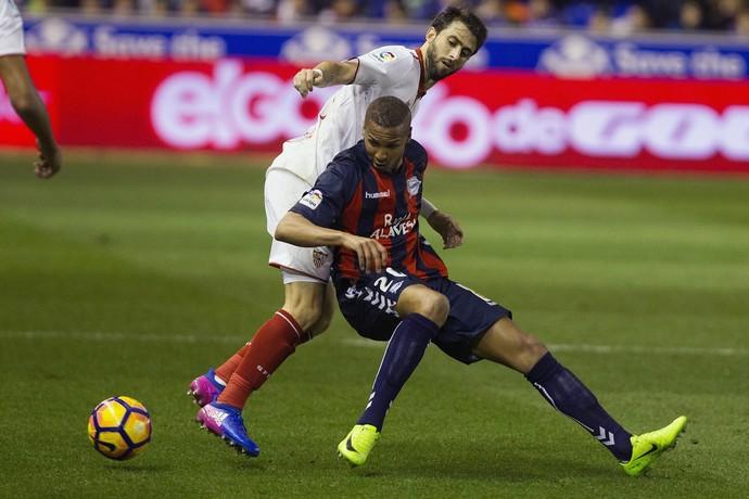 Sevilla empatou com o Alavés pelo Espanhol (Foto: EFE)
