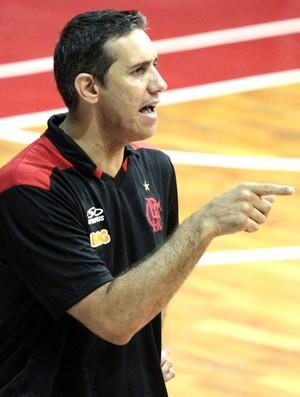 José Alves Neto, técnico de basquete do Flamengo  (Foto: Fernando Azevedo / FlaImagem)