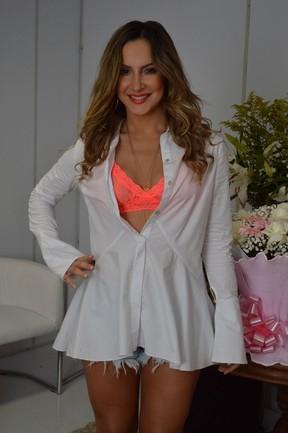 Claudia Leitte em bastidores de show em Salvador, na Bahia (Foto: Felipe Souto Maior/ Ag. News)