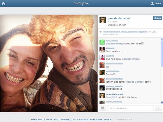 Paula Burlamaqui posta 'selfie' de Walquíria com Micuim (Renato Góes) (Foto: Reprodução/Instagram/@paulaburlamaqui)
