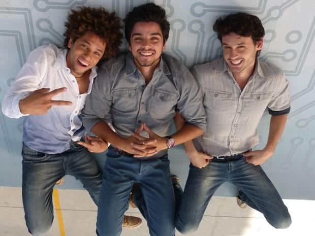 Bruno Quixote, Rodrigo Simas e Guilherme Dellorto nos bastidores  (Foto: Malhação / TV Globo)