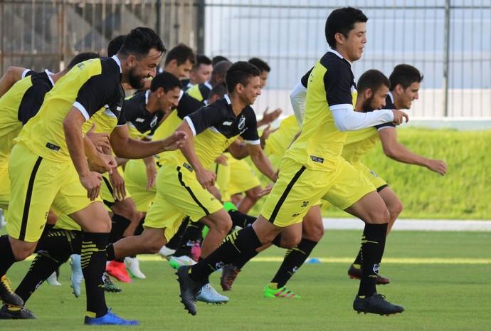 ABC - treino jogadores Estádio Frasqueirão (Foto: Andrei Torres/ABC FC/Divulgação)