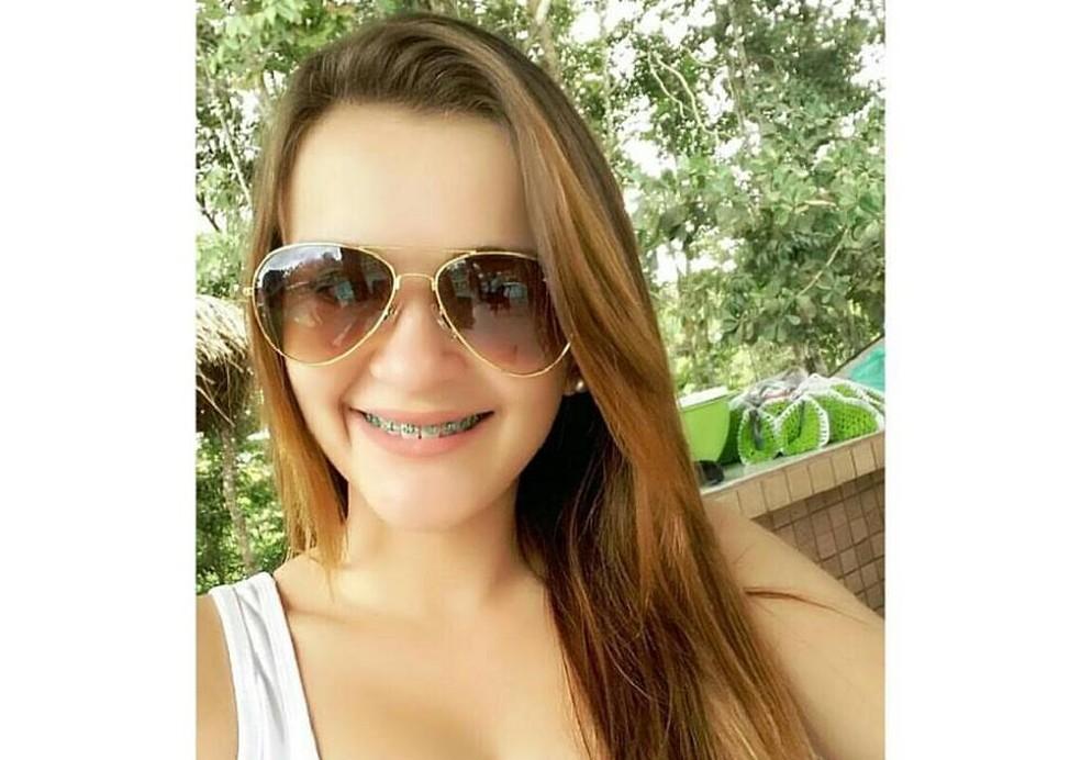 Jéssica ficou desaparecida durante quatro dias antes de ser encontrada morta em uma propriedade rural. Cidade ficou comovida com a história e fez apelos nas redes sociais em busca da menina (Foto: Facebook/Reprodução)