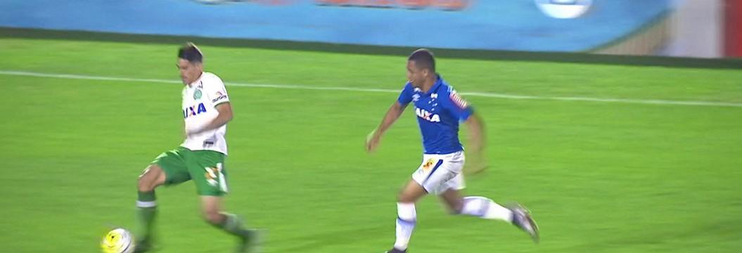 Melhores momentos: Chapecoense 3 x 2 Cruzeiro pela 12ª rodada do Brasileirão 2016
