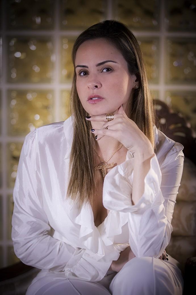 Ana Paula em seu primeiro ensaio fotográfico (Foto: Raphael Dias/Gshow)