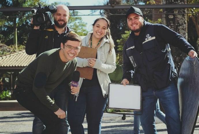 Os amigos de estrada e produção disseram porque o apresentador está de parabéns! (Foto: Arquivo Pessoal / Marcos Paiva)