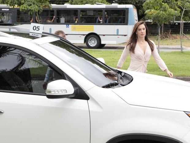 Claudia Raia também marcou presença no set (Foto: Salve Jorge/TV Globo)