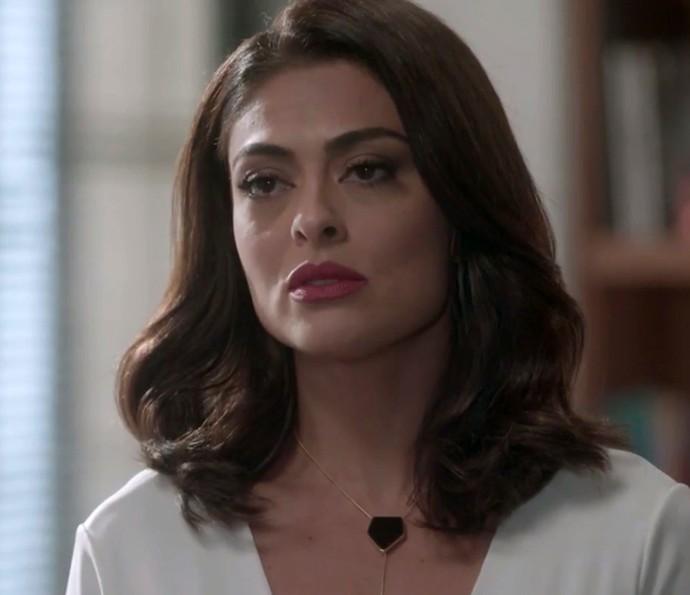Carolina é pressionada por Hugo (Foto: TV Globo)